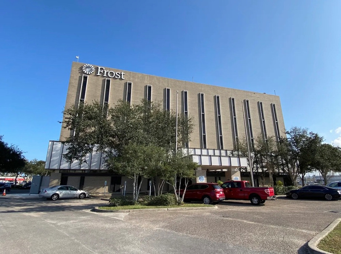 Corpus Christi to purchase Frost Bank on Leopard Street