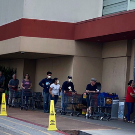 Corpus Christi H-E-Bs urge social distancing in stores